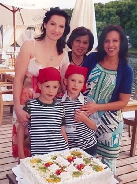 Как выглядит и чем занимается жена председателя правительста РФ Михаила Мишустина
