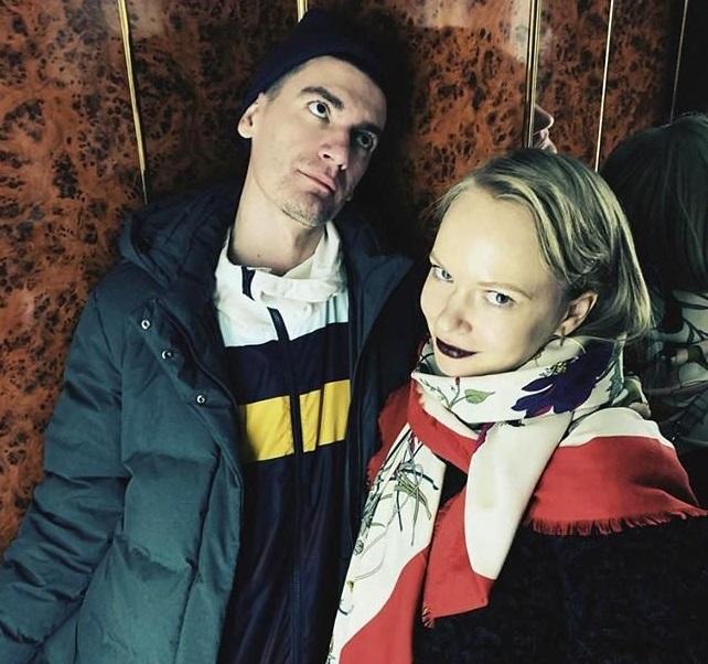 Александр Гудков с девушкой
