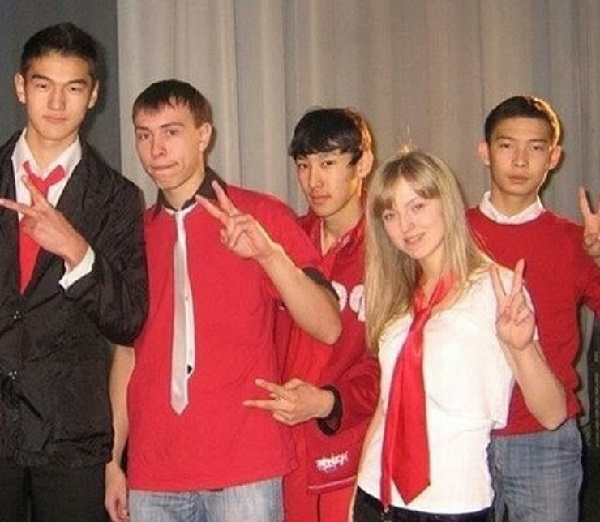 нурлан сабуров с друзьями