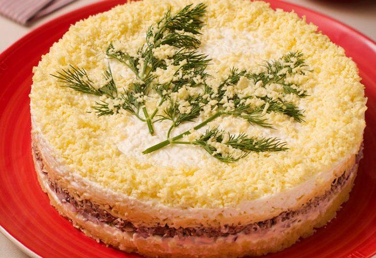 салат мимоза с консервами и сыром