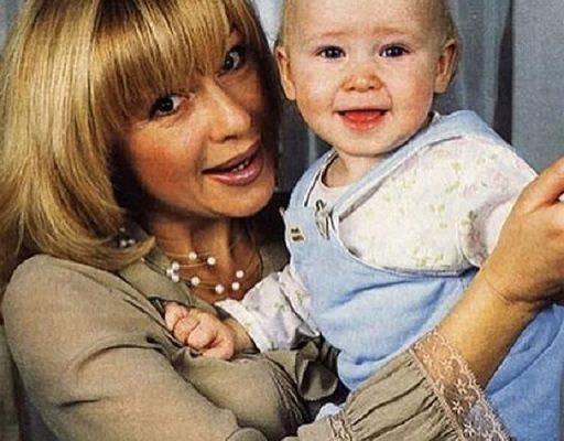 Алена Апина с дочерью