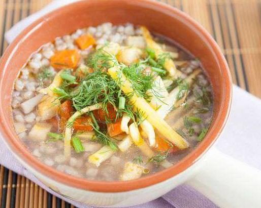 Диетический суп с грибами и гречкой