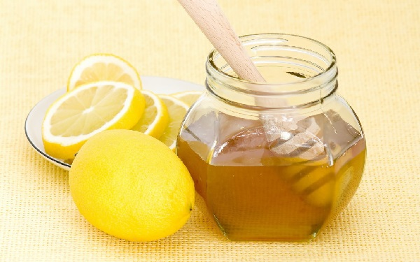 Маска из меда и лимона для отбеливания лица