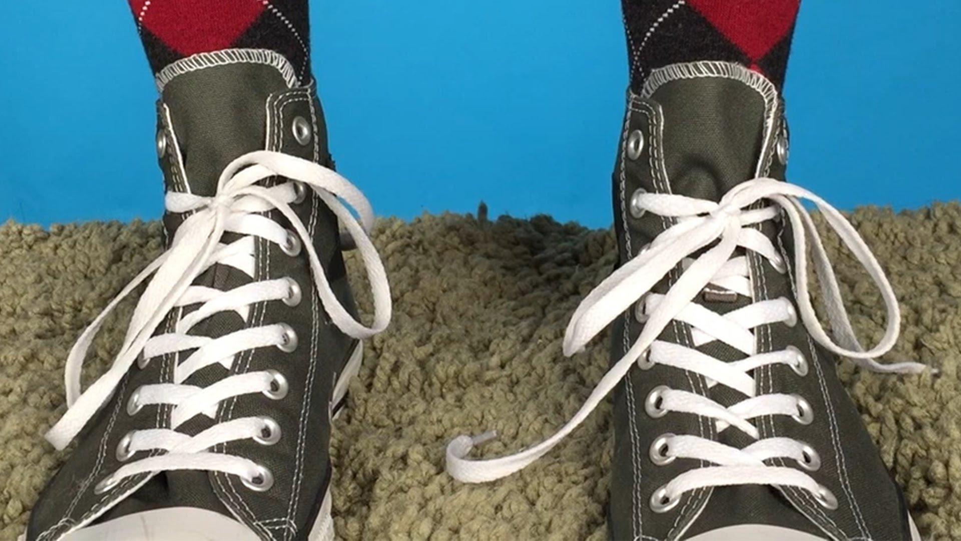 Простой лайфхак: как завязать шнурки на кроссовках