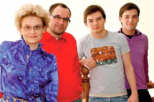 Елена Малышева семья