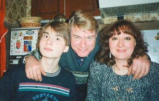 Борис Щербаков с женой и сыном Василием