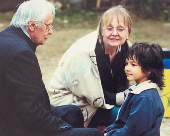 Наталья Белохвостикова с мужем и приемным сыном