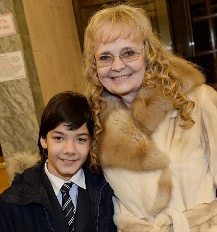 Наталья Белохвостикова с приемным сыном