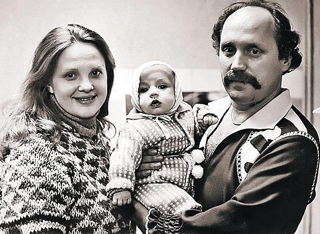Светлана Пенкина с сыном и мужем