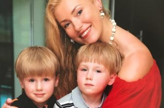 Мария Шукшина с близнецами