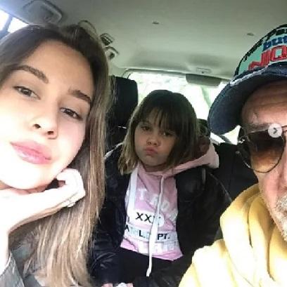 Актер Алексей Горбунов с дочками