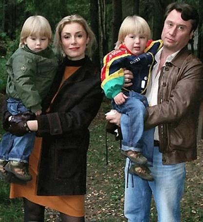 Мария Шукшина с семьей